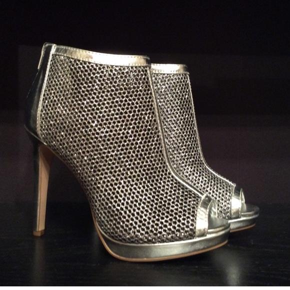 Wild Diva Size 75 Silver Peep Toe